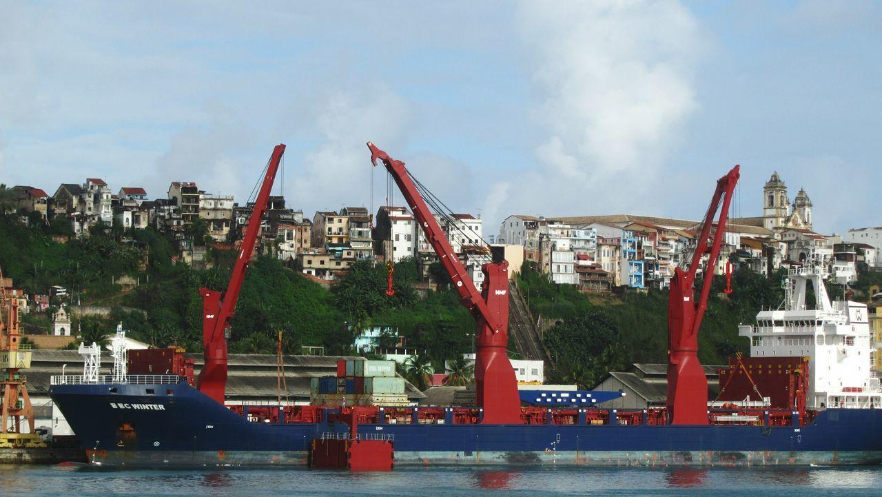 Ships⚓️⛵️🚢 Ship Ships On The Water Ships At Sea Ships🚢 Merchant Navy Merchantnavy Merchant Ship Shippingworldwide Transportation Shipping  Shipping Terminal Ports Bulkcarrier Mobilephotography