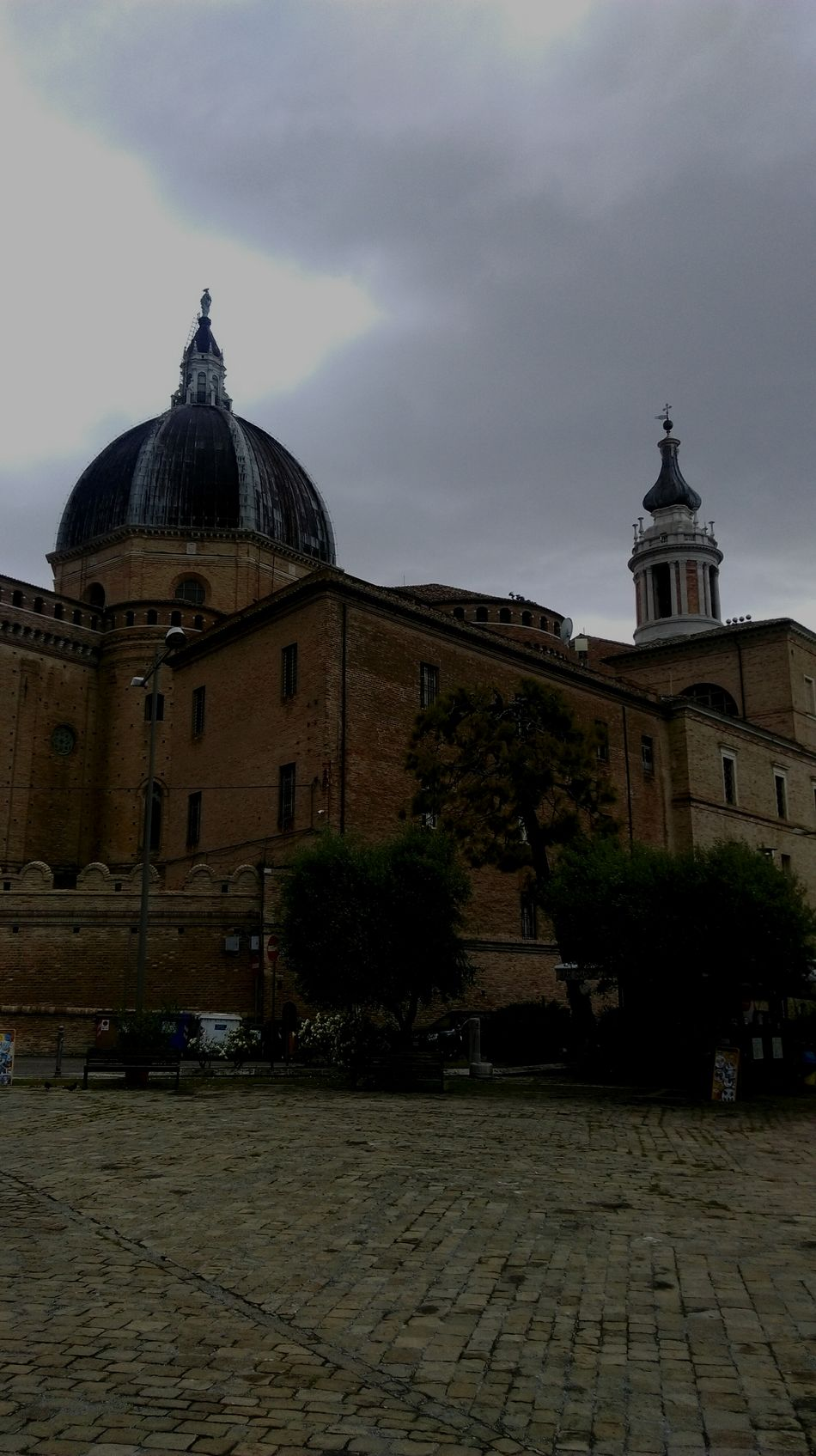 Architecture Built Structure Building Exterior Travel Destinations Loreto Marche Loreto Sculpture Statue Spirituality Religion S.Maria Home Is Where The Art Is Home Tourism Scenics Beauty In Nature Illuminated Outdoors Medieval History Cloud - Sky Sky Architecture