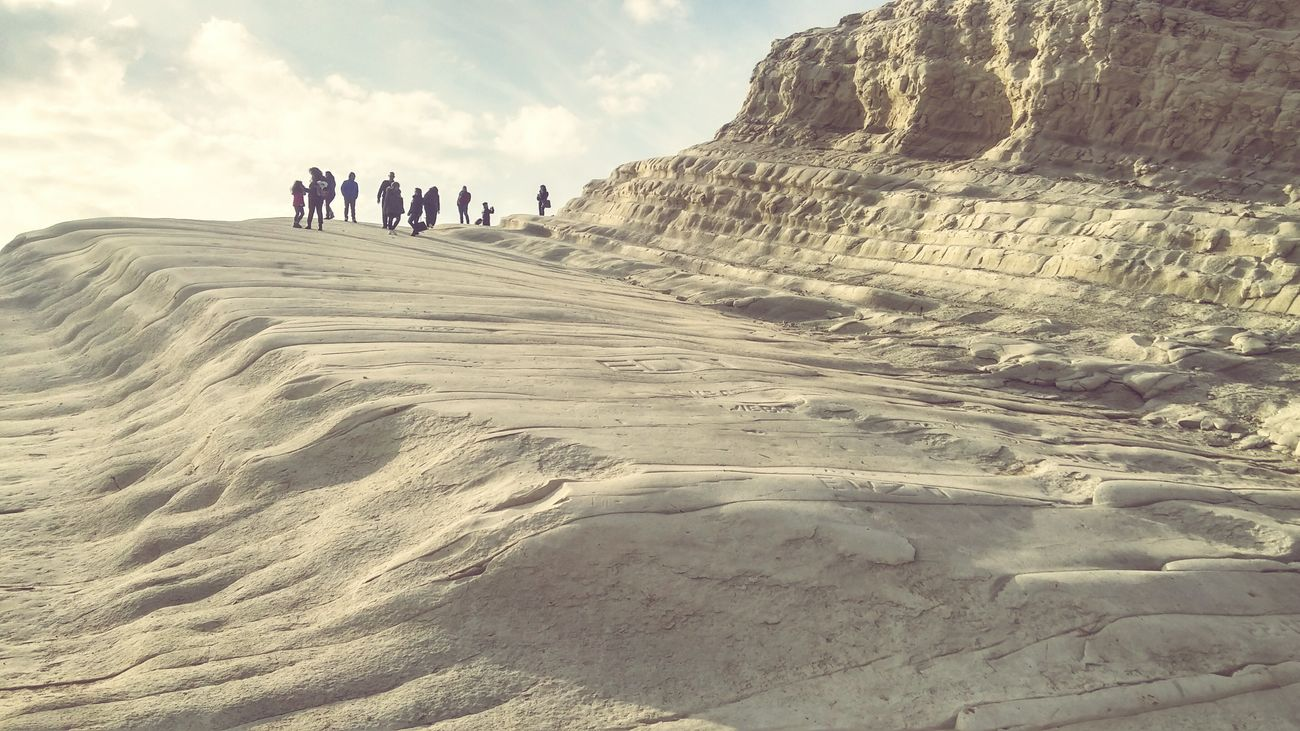 Scala Dei Turchi Landscape People Large Group Of People Holiday Trip February 2017 A Place You Must Visit Travel Destinations I Love Sicilia Sicilianjourney Holidays ☀ A Place To Remember Walking Climbing