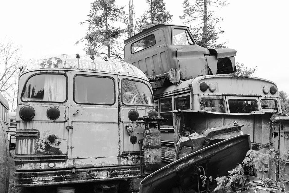 """Lost Metal Souls"" part3 Lost Metal Souls Eye4photography  EyeEm Best Shots - Black + White Ladyphotographerofthemonth Getting Inspired Bnw_junkie Old Car Junkie EyeEm_abanonment Vintage Cars Monochrome"