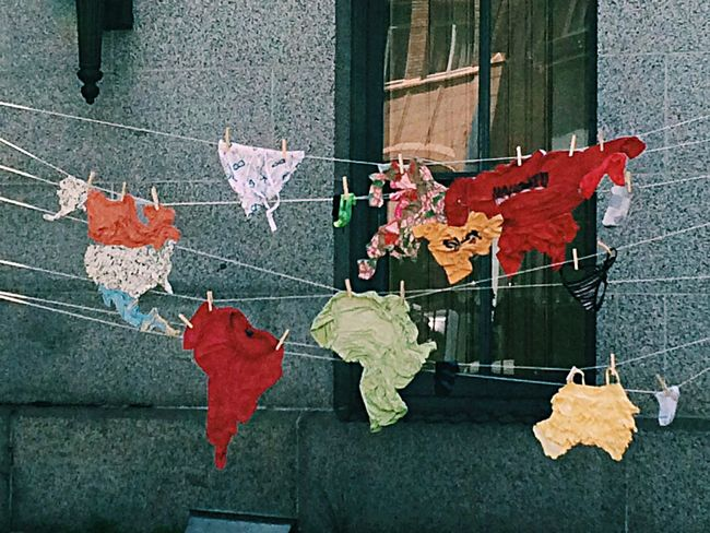 The World Hanging Out to Dry . Streetart