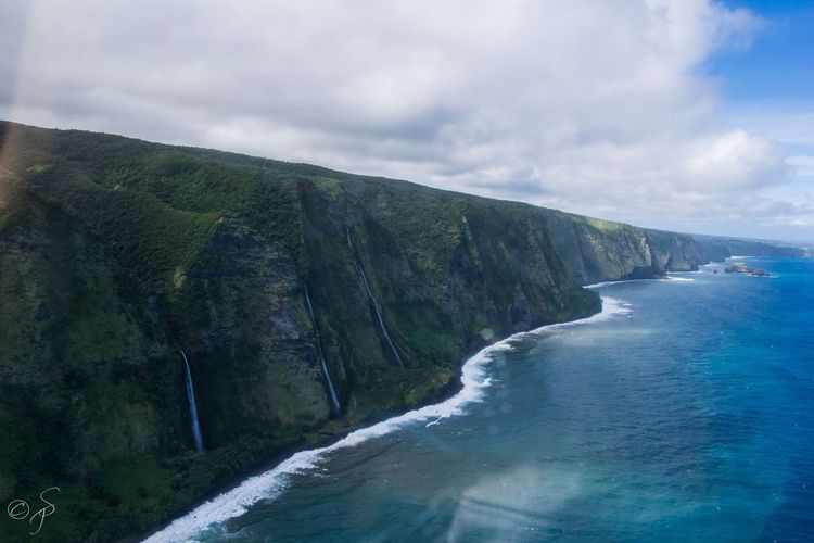 Waipio Valley, Kohala Coast, Big Island Hawaii.🌴 Miles Away Kohala Coast Waipio Valley  Waipio Hawaii Big Island Big Island Hawaii Freedom Peaceful Peaceful View Peace Waterfall Colorful Happiness Helicopter Helicopter View  Water Pacific Ocean Beach Thinking Amazing View Cliff EyEmNewHere No People The Great Outdoors - 2017 EyeEm Awards