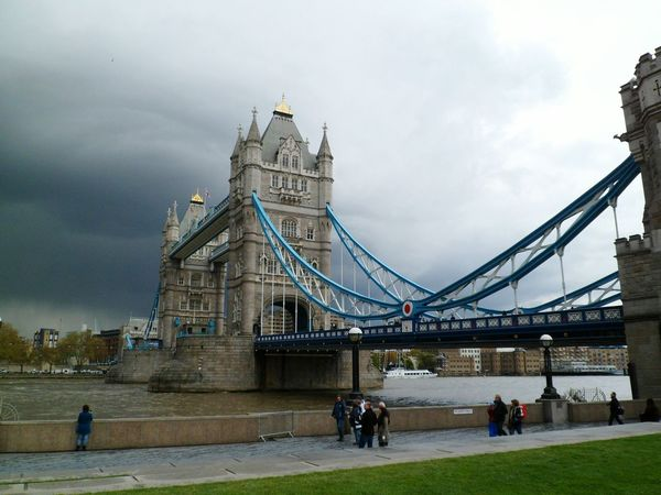 Dark clouds looming over Tower Bridge Connection Capital Cities  Travel Outdoors Capital City Famous Place Travel Destinations Sky International Landmark Cloud - Sky Structure Bridge - Man Made Structure Reflection Clouds And Sky Dark Clouds