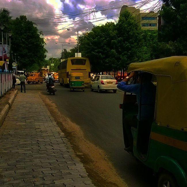 Ic_thestreets Streetphotography Streetlife Everydayindia dailylifeindia incredibleindia indiapictures indiaphotos desi ip_asia ip_world India indian everydayeverywhere dailylife igerskolkata