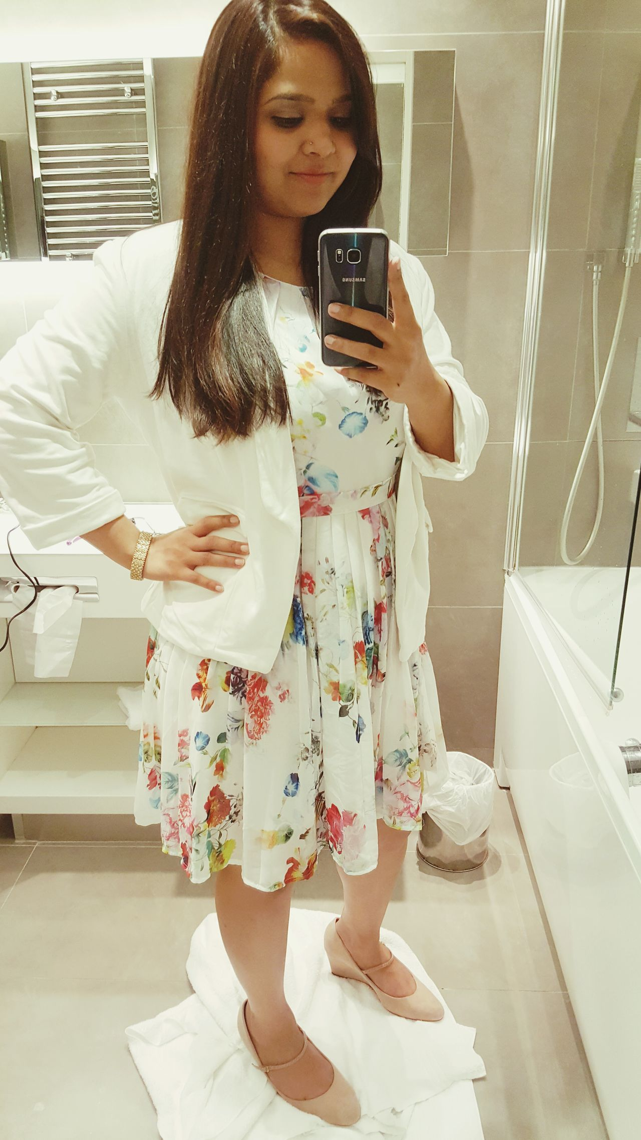 Oct 2016 Paris Day 2 Samsungphotography Selfie Samsung Galaxy S6 Edge Travel Wanderlust Lookoftheday Floral Dress White Lifestyles Photo Messaging Smart Phone Technology Mobile Phone Indoors  People Women One Person