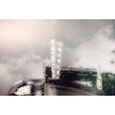 Raindrops in #regentstreet ||#igerslondon #igersuk #londonofficial #london london #photooftheday #instagood #raindrops ||