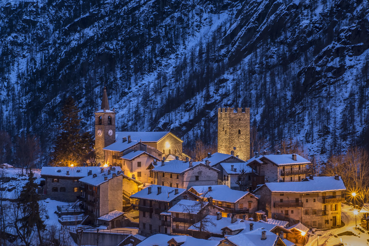 Champorcher, Valle d'Aosta Winter Cold Temperature House Architecture Cityscape Snow City Italy Italia Outdoors Eye4photography  EyeEm Getty Images Gettyimages Eyeemphotography EyeEm Gallery EyeEm Best Shots Eyeem Market Valledaosta Valle D'aosta Champorcher Aosta Italianvacation