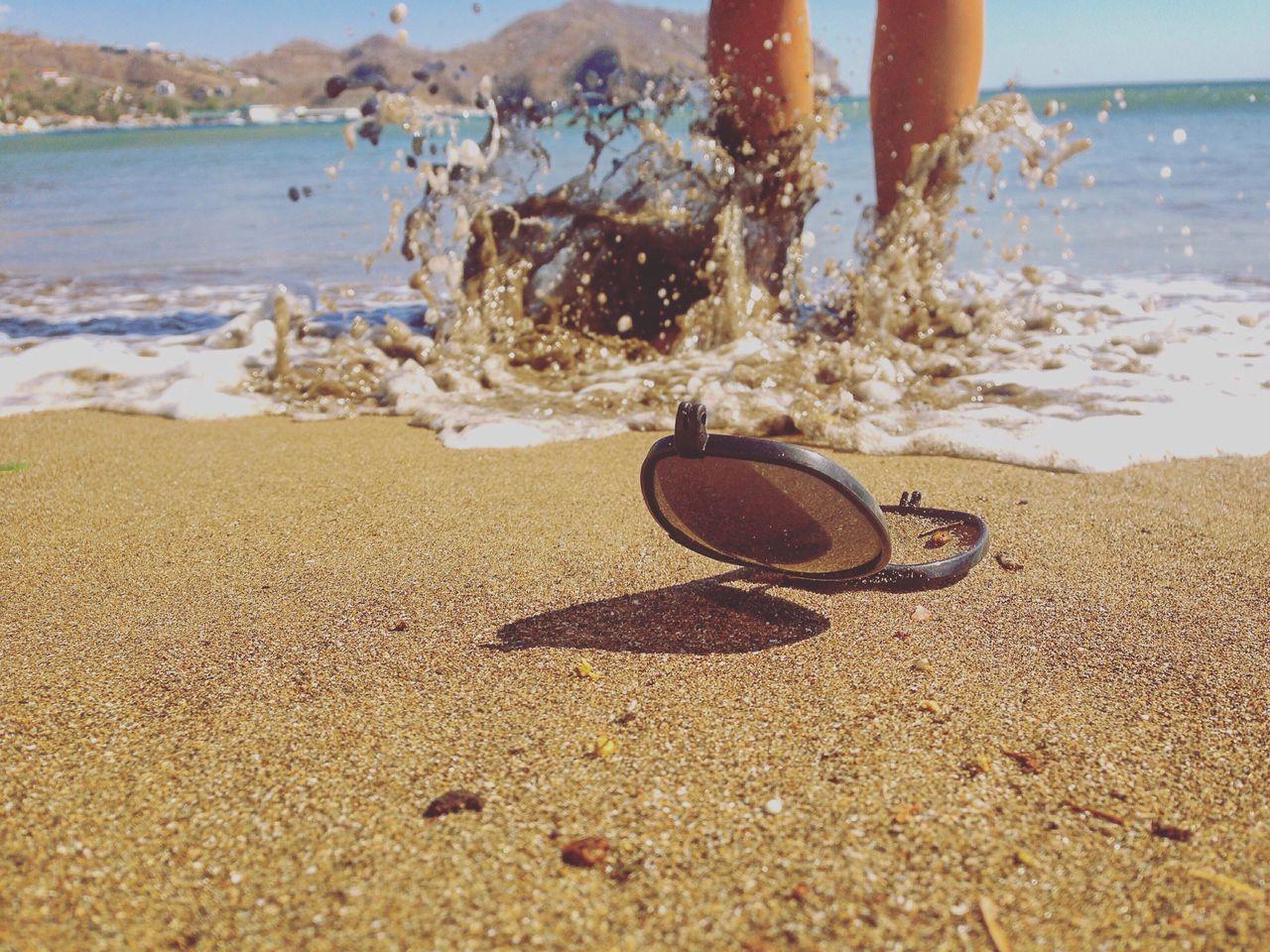 Litterati Plasticpollution Sunglass  On The Beach Splash Splashing Nicaragua San Juan Del Sur , Nicaragua