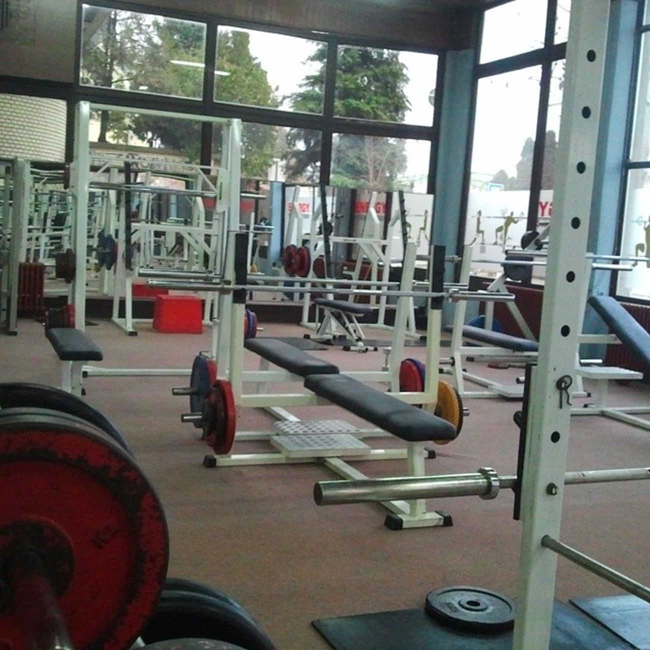 Onokad si sam na treningu Gym Fitness Fitnessporn morningworkout