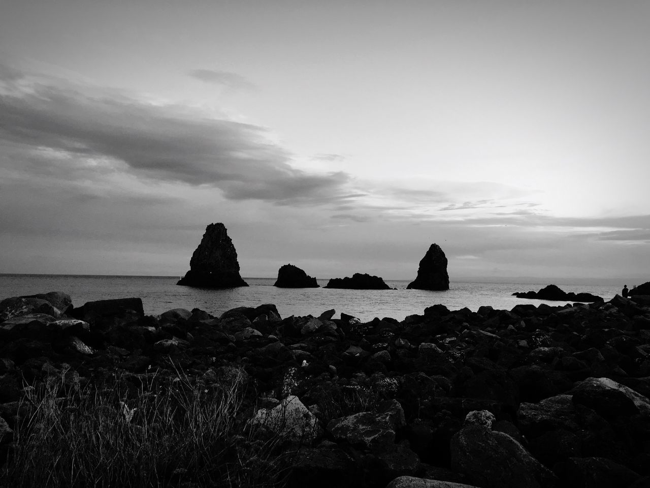 sea, sky, rock - object, nature, horizon over water, rock formation, tranquility, rock, water, beauty in nature, no people, scenics, outdoors, cliff, day