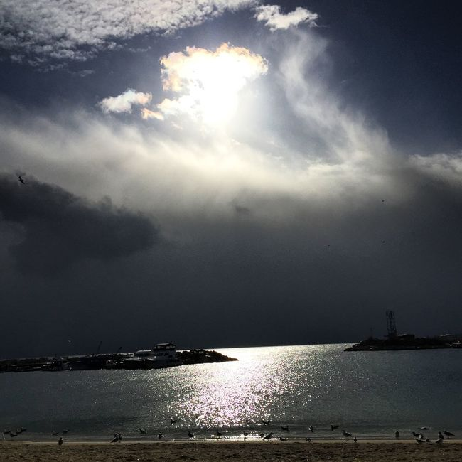 Seaside🌥 Hanging Out Taking Photos Enjoying Life Istanbul Yesilköy Photooftheday Photowork Sunset #sun #clouds #skylovers #skyporn #sky #beautiful #sunset #clouds And Sky #beach #sun _collection #sunst And Clouds Sky And Sea Photoshoot Sea View Clouds And Sky