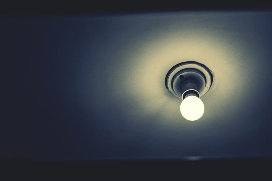 Taking Photos IPhone Photography Lowlight Bulbs