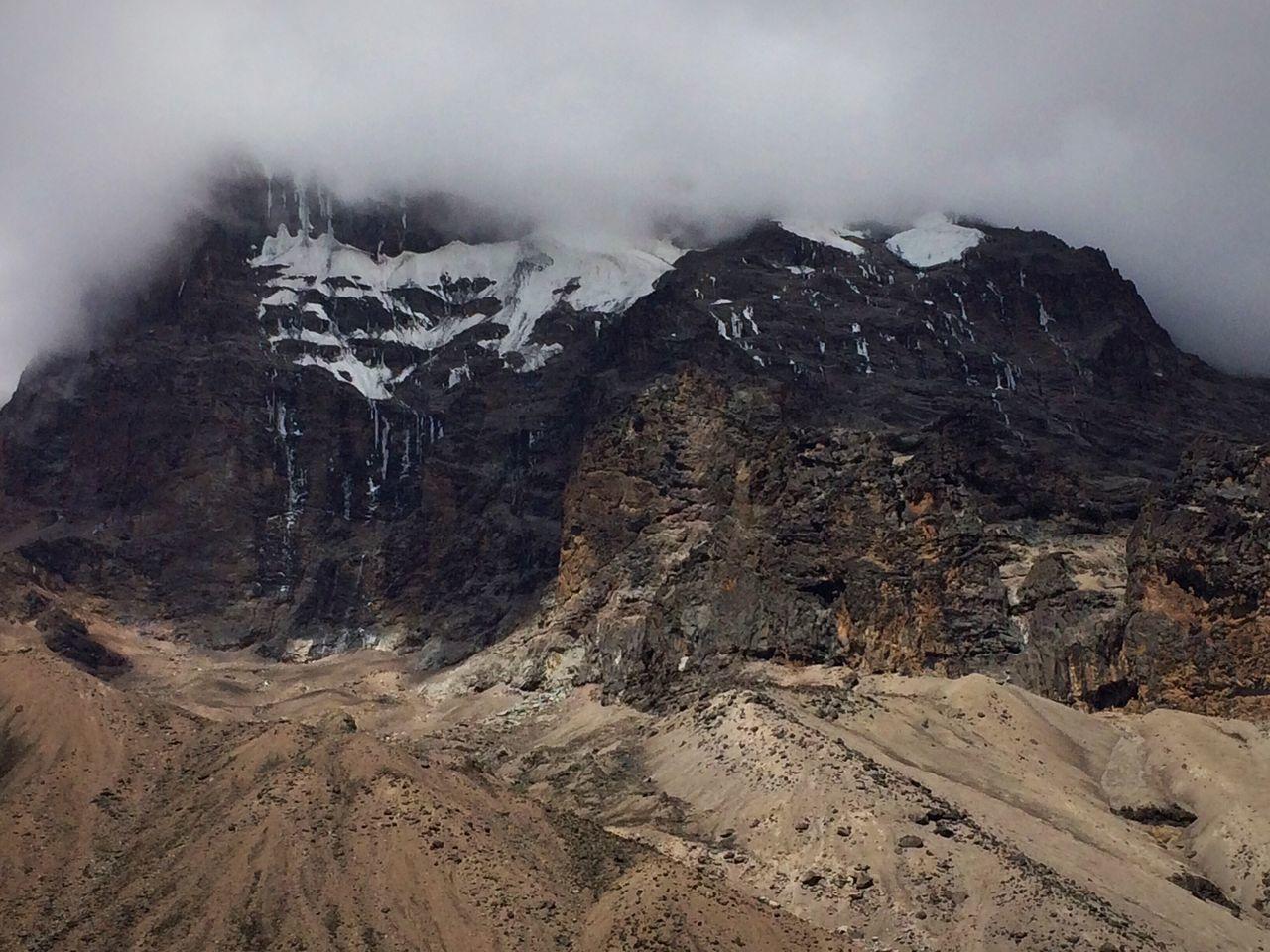 MountKilimanjaro Kilimanjaro Tanzania Tanzanianationalparks Cloud Mountainphotography Amazing View Gadventurestour Adventure Trek Trekking Outdoor Photography Amazing Mountain Photography