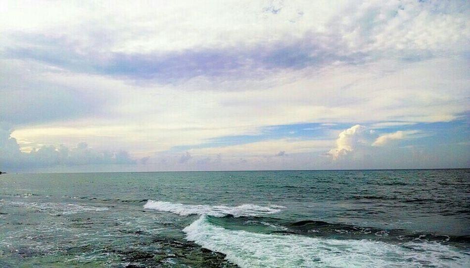 Landscape Photographer Beatiful Sky And Clouds Enjoying Life Escaping Photography Beachphotography Beaty Portrait Popular Photos Lights And Shadows Enjoying The Sun Playadelcarmen