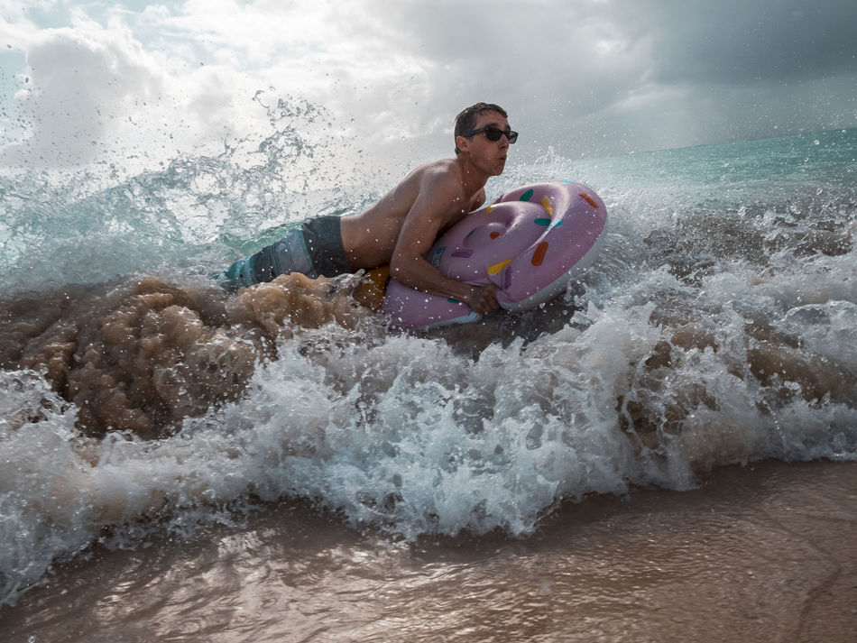 One Man Only Splashing One Person Healthy Lifestyle Lifestyles People Men Day Sea Sky Cloud - Sky Athlete Motion Water Outdoors Surf Wave Tropical Vacations Fun Summer Splash