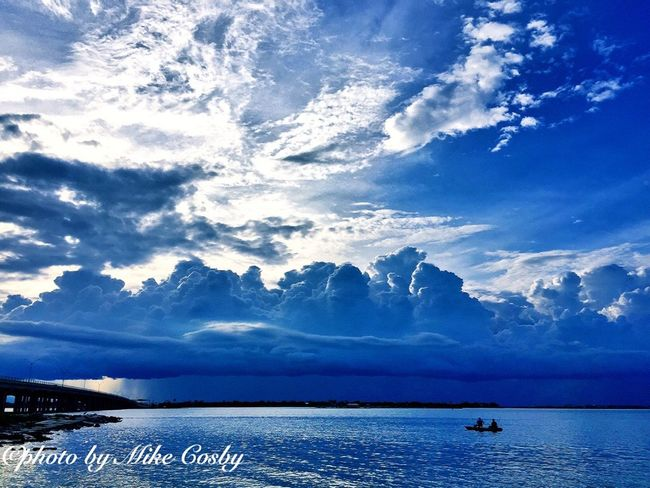 Check This Out Hanging Out Taking Photos From My Point Of View The Great Outdoors - 2016 EyeEm Awards EyeEm Best Shots - Nature The Essence Of Summer Clouds And Sky Sunset Boat Fishing