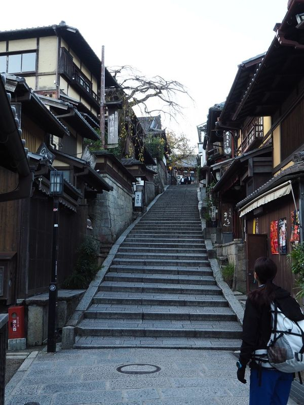 Kyoto Japan ASIA Sannenzaka Sanneizaka Higashiyama Architecture Stairs Outdoors People Early Morning Autumn Olympus PEN-F