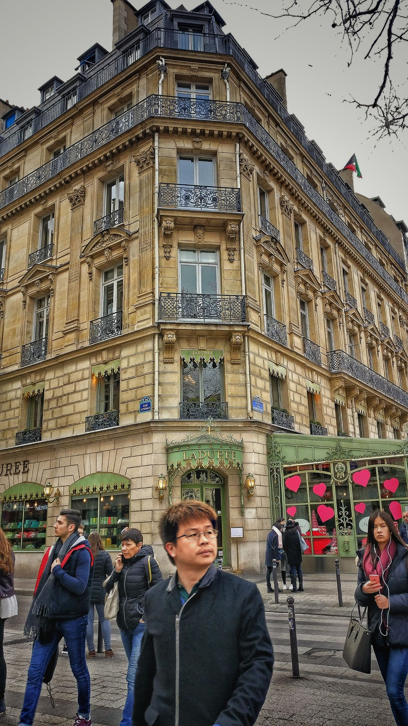 Building Exterior Architecture Built Structure City People Real People Day Adult Adults Only Champselysées Plus Belle Avenue Du Monde AndroidPhotography PhonePhotography France 🇫🇷 OneplusShot Oneplus3 Snapseed Paris Architecture