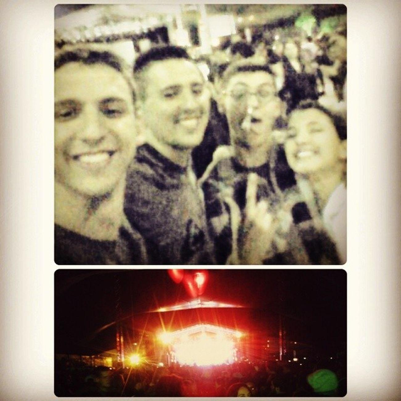 Que noite, que show! Está faltando a @janaa_azevedo, o igor e a gi pq só lembramos da selfie no final! quero maaaaaaais (: Deontem Festivaldochocolate Thaemeethiago Amigos muitobom amei