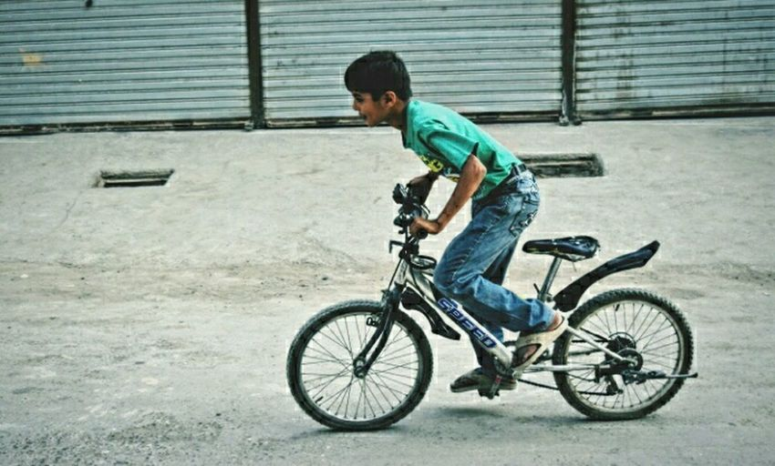 Rider Cycling Cyclingphoto Adventure Sports Sporty Fitness Funtime Quetta Kid Taking Photos