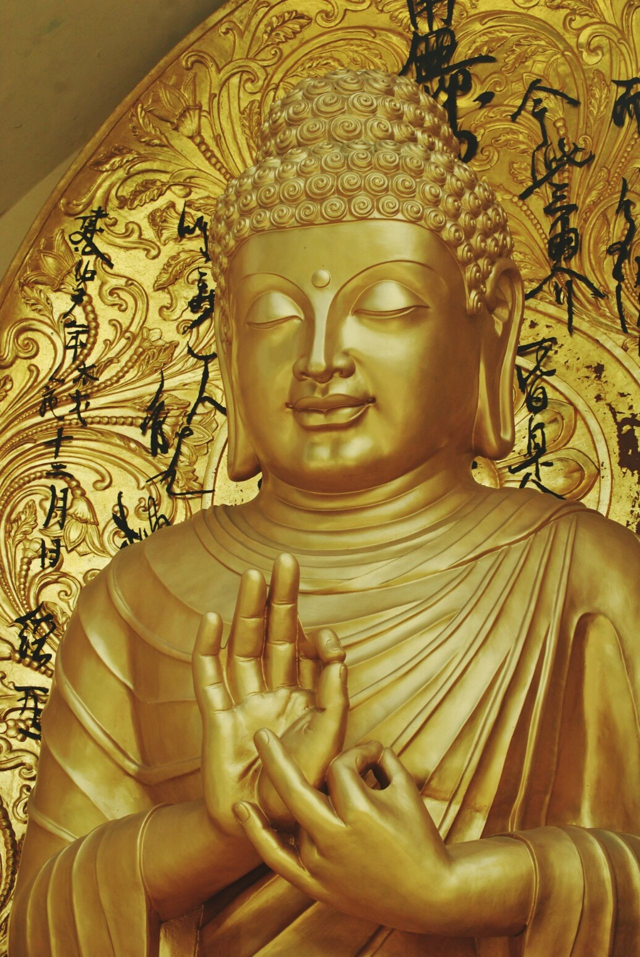 Peaceful And Quiet Golden Color GautamaBudda Buddha Statues Close-up Contemplation Selfportrait Best Of EyeEm Pure Beauty Contemplating Nirvana♡