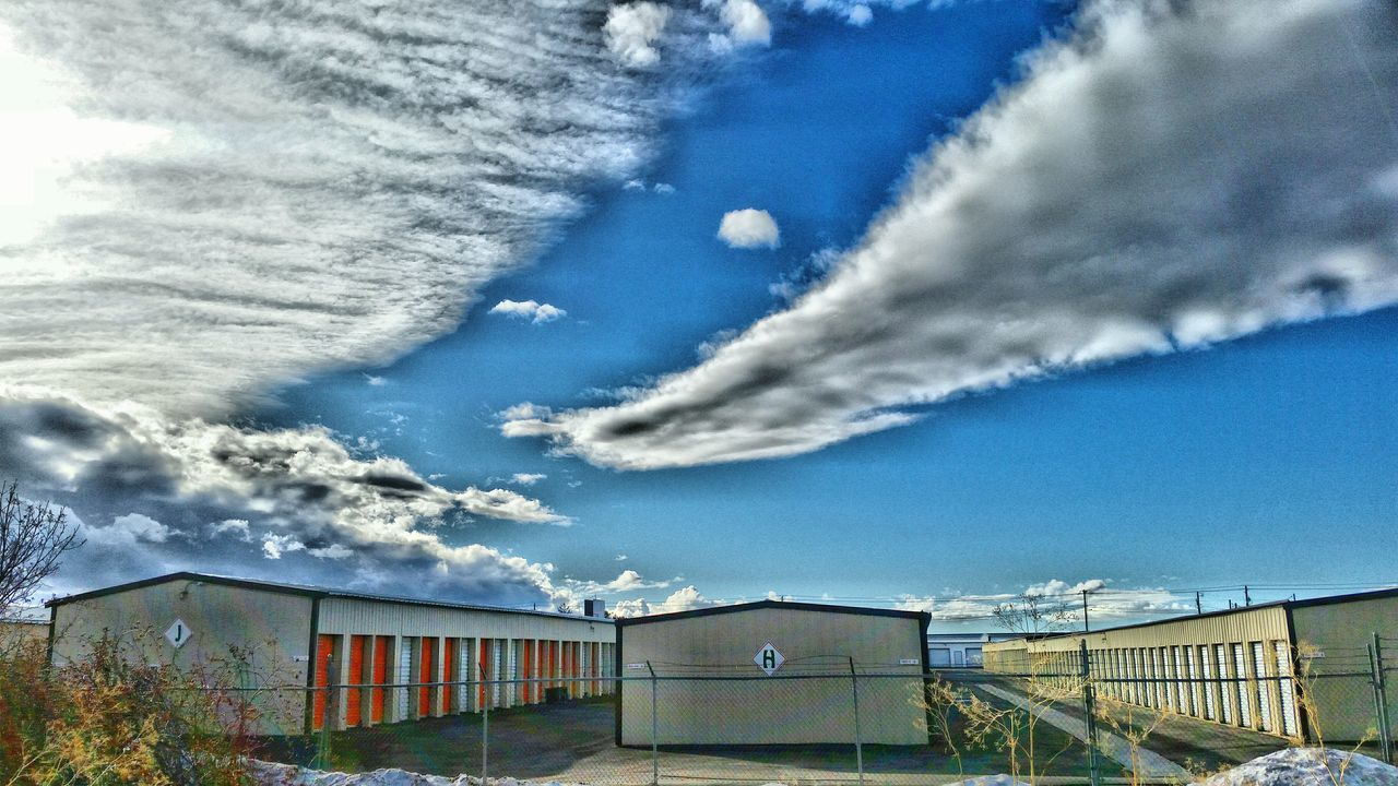 How's The Weather Today? EyeEmBestPics Hdr_Collection Sunshine Beautiful Day Sky Workplace Spring Is Coming  Cloudporn Storage Buildings