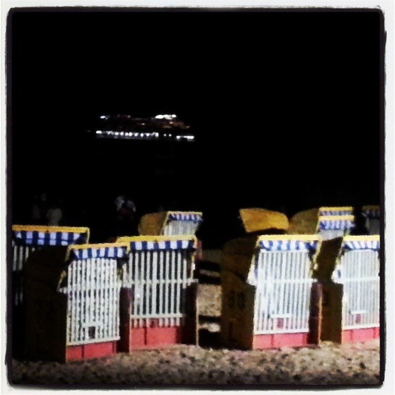 Strandkörbe und ein Schiff - Dose Cux Cuxhaven