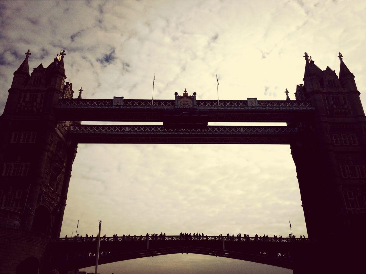 London Bridge London Discover Your City Shadow Play