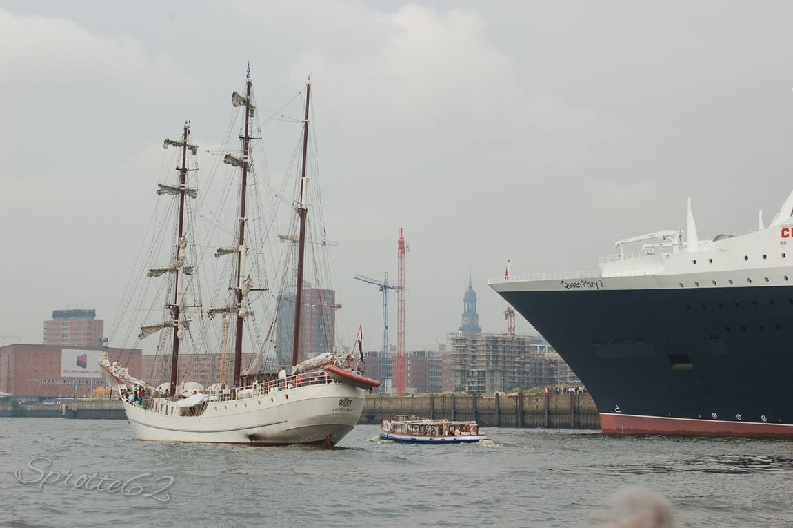 Hamburg Cunard Ms Queen Mary