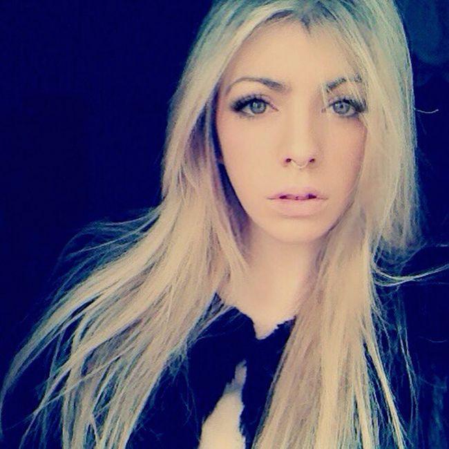 Septum Piercing Blonde Happy Xmas Daylight Selfie Cmblog