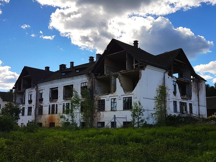 Old Buildings Hospital Check This Out Old House Old Hospital TearitDown Samsung Galaxy S7 Empty House Old And Forgotten Empty Place Oldbuilding