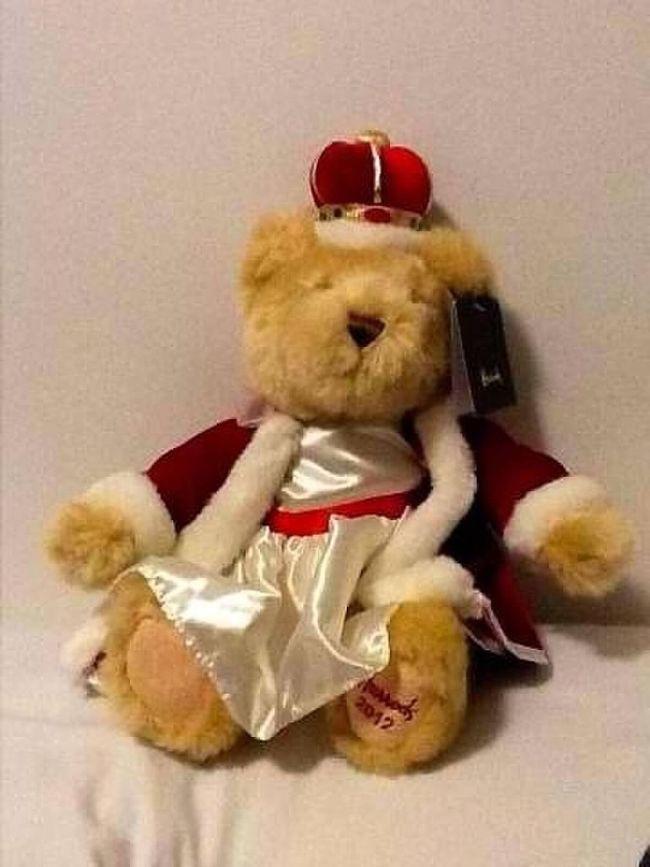 Queen of England's Jubilee bear Queen's Jubilee