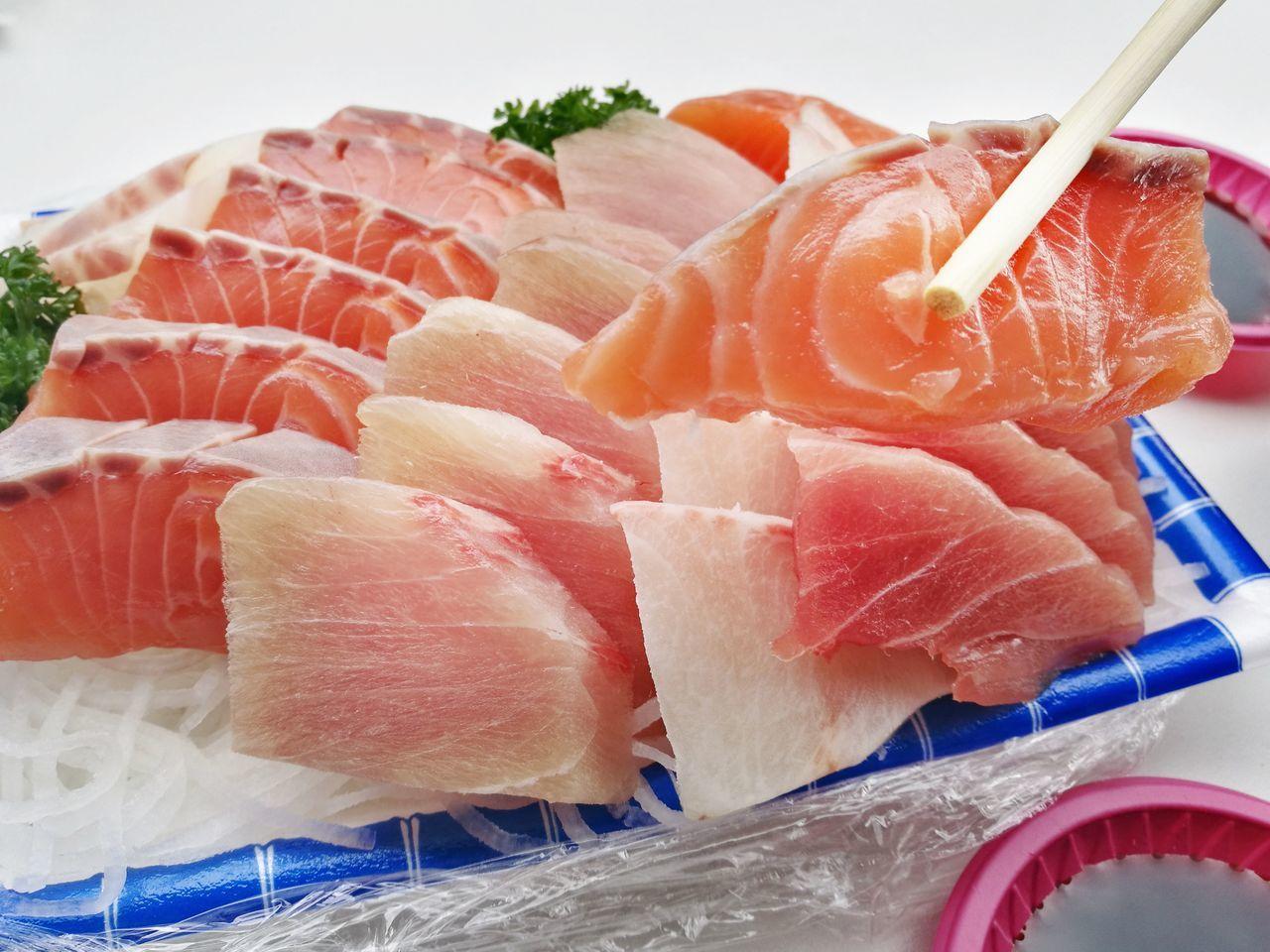 Sashimi Food Raw Food Meat Seafood Freshness Red Food And Drink Market SLICE Healthy Eating Supermarket Fillet No People Japanese Food HuaweiP9 Foodphotography Delicious FreshnessFresh Eat Chopsticks Salmon Sashimi Sasimi Sashimilovers Sashimi Lunch