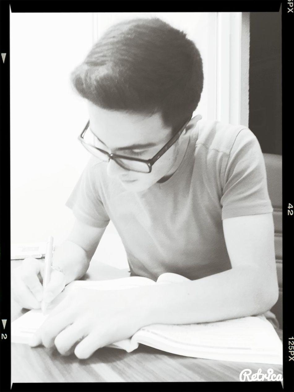Blackandwhite Black & White Studying ?