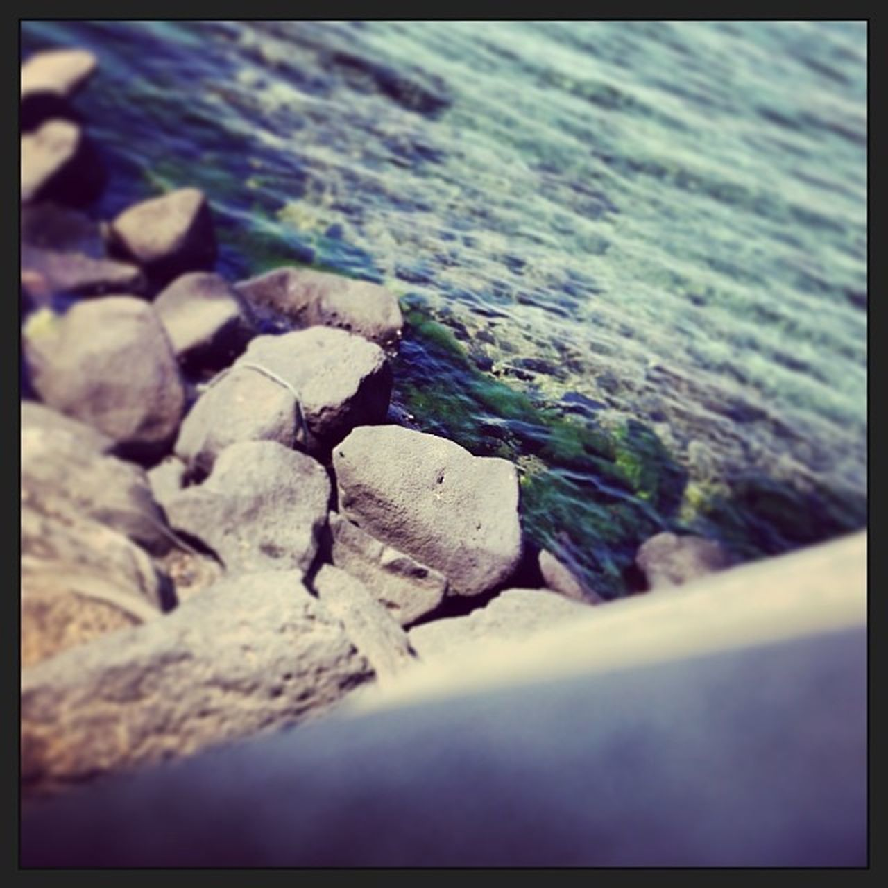 auto post production filter, nature, water, sea, outdoors, day, no people, beach, textured, close-up, horizon over water, beauty in nature, pebble beach