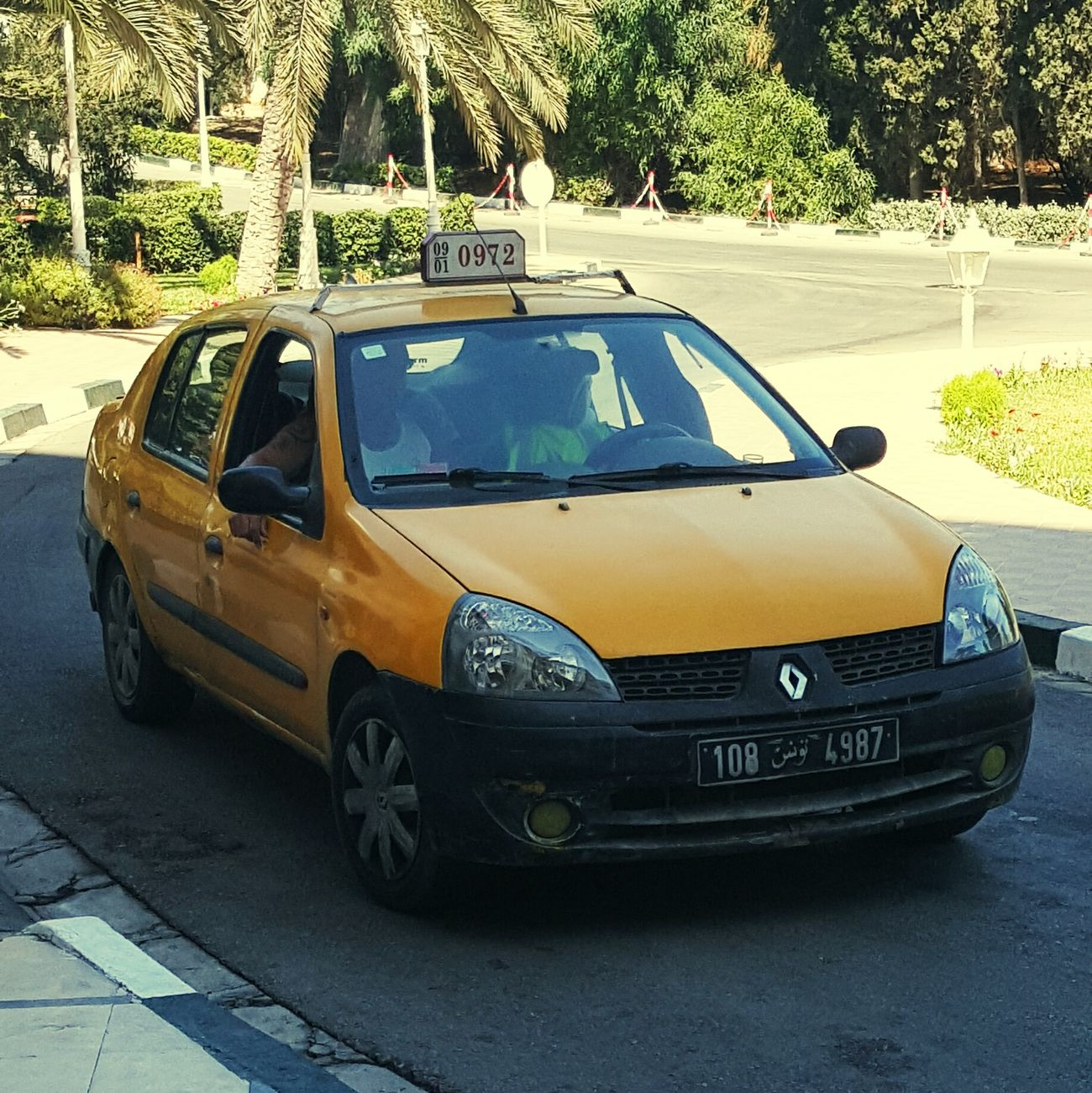 Does this Taxi look safe? Yellow Tunisia