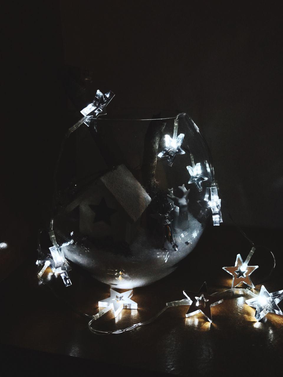 illuminated, no people, indoors, christmas, night, celebration, close-up, christmas decoration, studio shot, black background