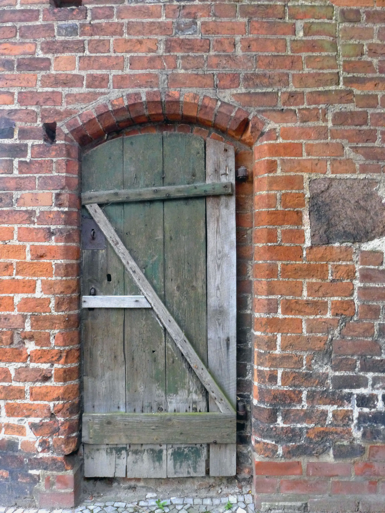 Architecture Brick Wall Building Exterior Built Structure Door Elbe Elberadweg Old Buildings Old House Tangermünde Wood - Material