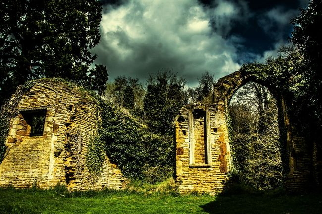 Ruins of St John's Church, Boughton, Northamptonshire Church Ruin Northamptonshire Boughton Church Ruins Ruin Architecture Archway