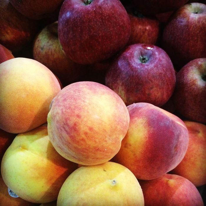 Fresh Produce Enjoying Life Peach! Apples Nature Photography Taking Photos Sweet