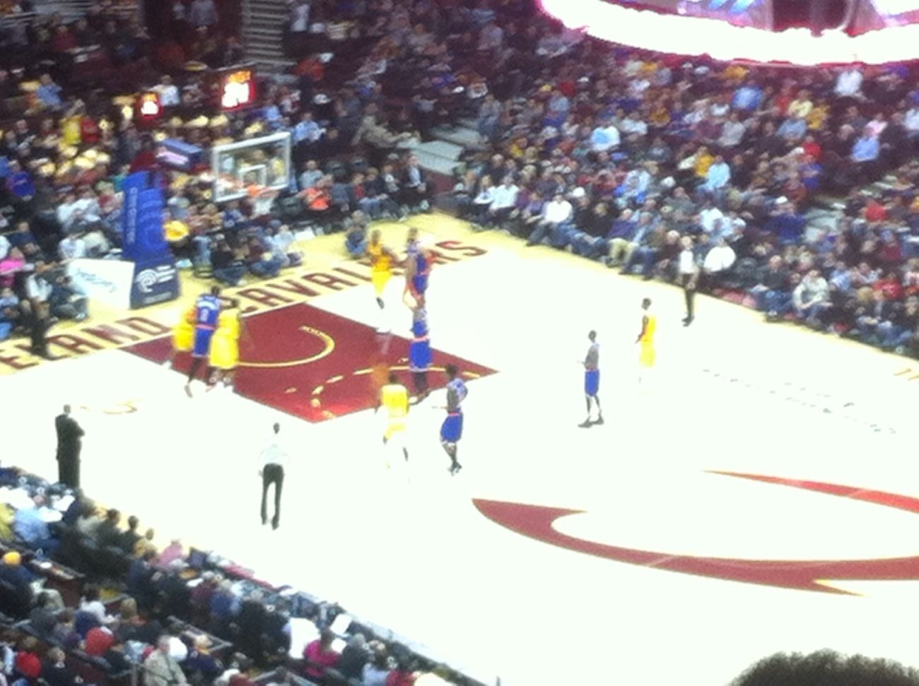Cavs-Knicks game earlier #melo #uncledrew