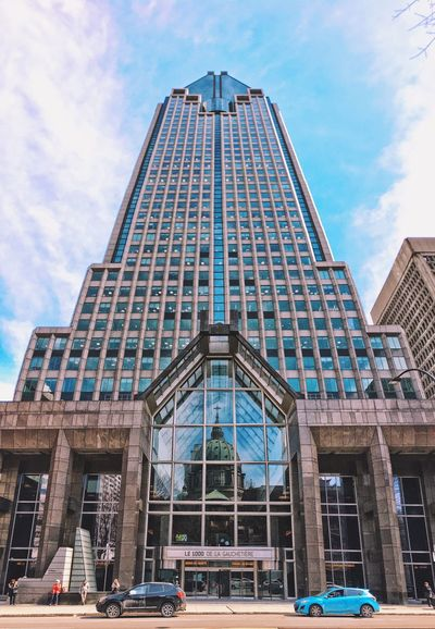 Architecture Building Exterior Built Structure Sky City Low Angle View Modern Outdoors Travel Destinations Façade Day Skyscraper Sculpture Montréal Reflection Church Architecture Cathedral Catholic Church EyeEmNewHere