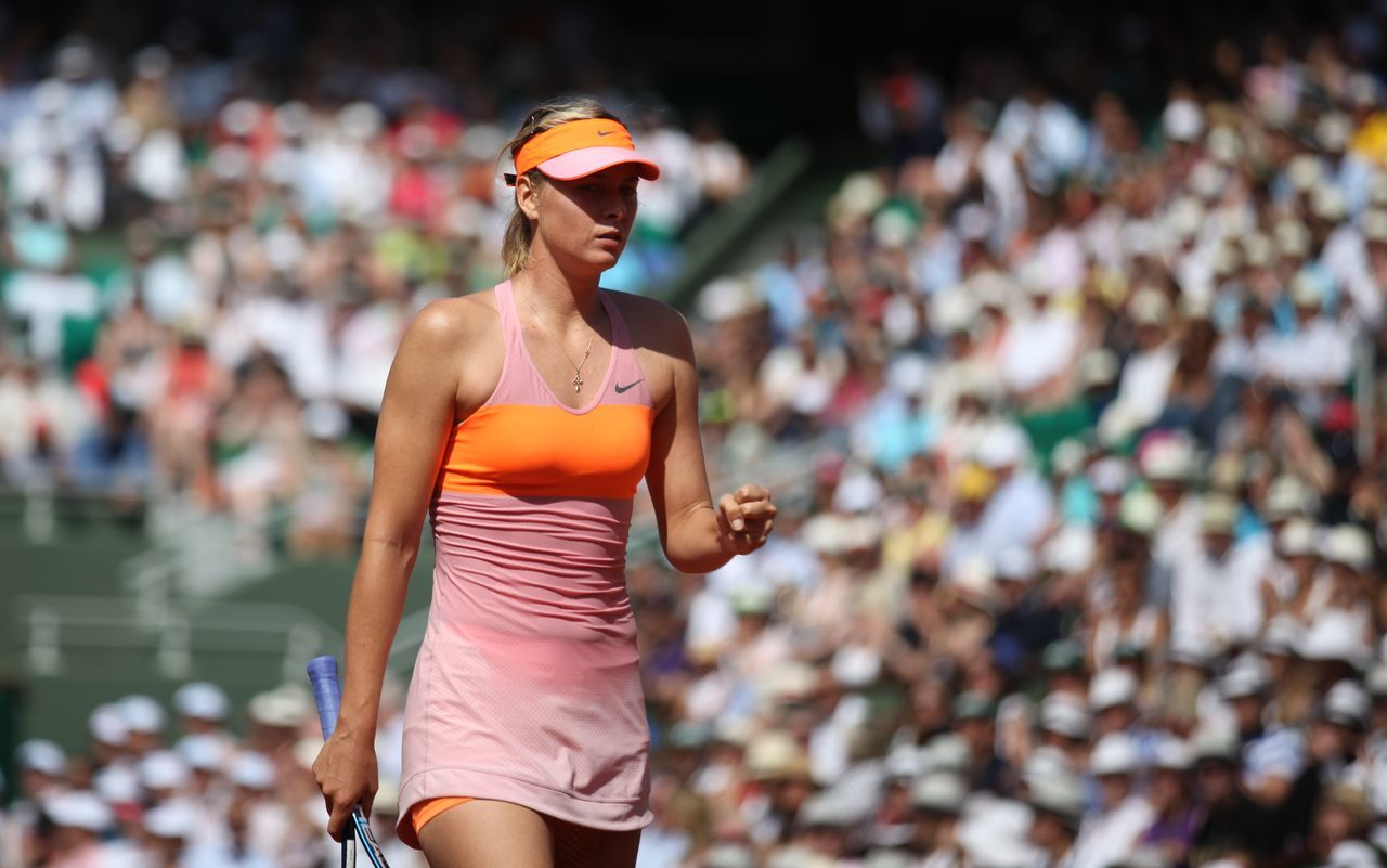 Russian Maria Sharapova won roland Garros final 2014, vs romenian Simona Halep. Atp Finall 2014 Maria Sharapova♥ Paris, France  ROLAND GARROS Sport Women Sports Photography Tennis 🎾