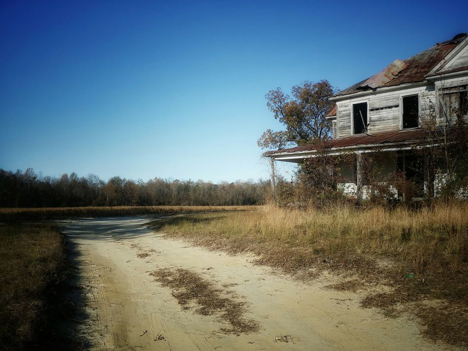 Dirt roads and abandoned places... Clear Sky Sky Perspective EyeEm Best Shots Oldhouse Eye4photography  Getty Images Deserted Derelict & Abandoned Architecture Rurex Mygetaway Exploremore EyeEm Nature Lover Dirt Roads Farmhouse North Carolina Country Southern Life Blue Backroads
