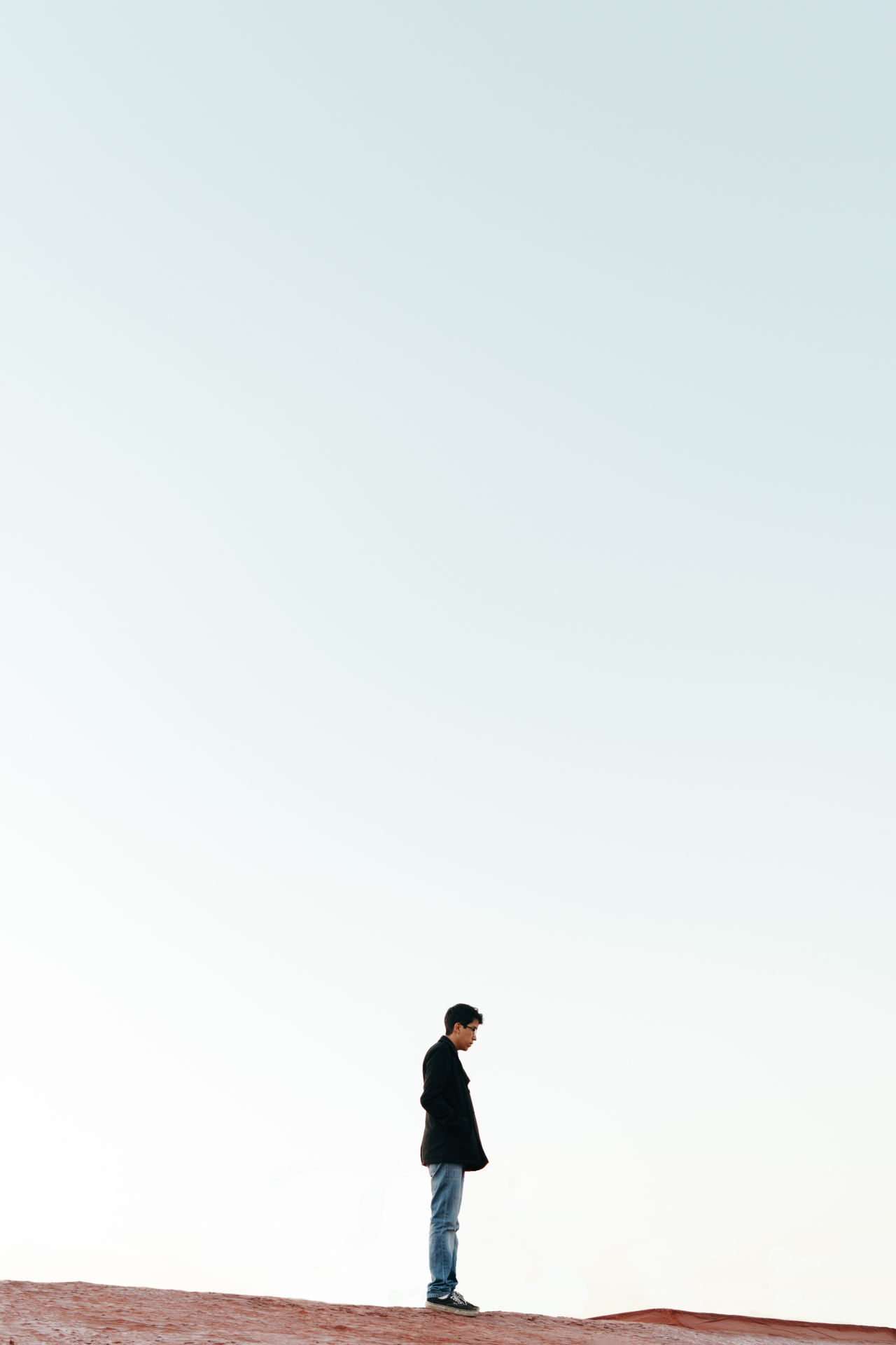 Beautiful stock photos of man, 18-19 Years, Casual Clothing, Clear Sky, Copy Space