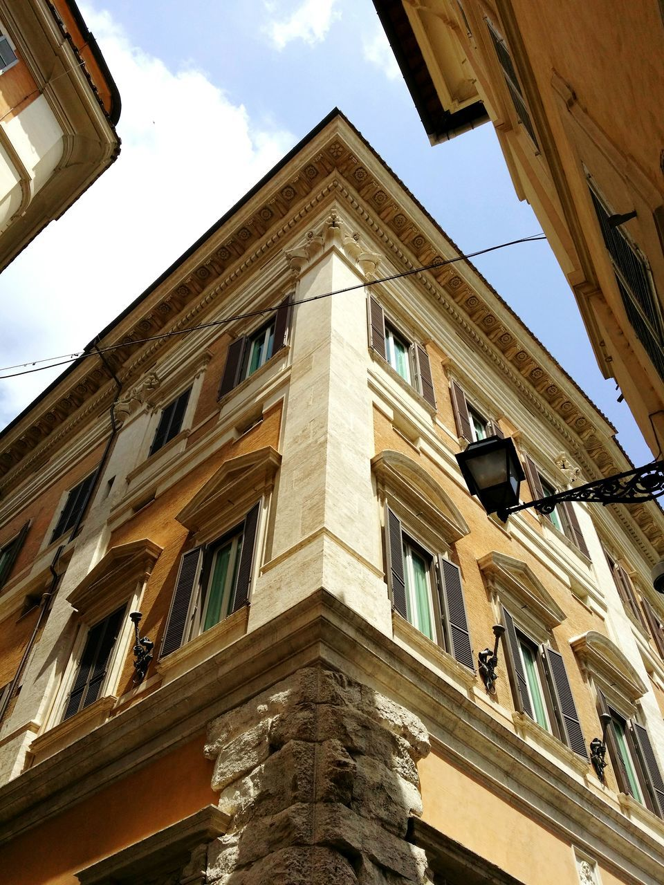 low angle view, architecture, building exterior, built structure, sky, window, day, no people, outdoors