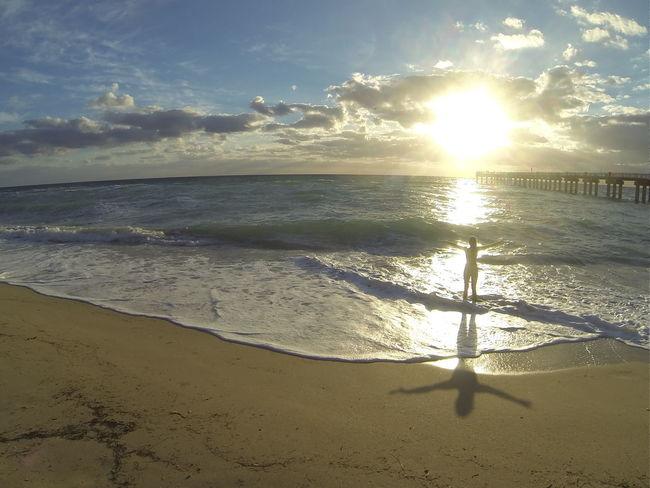 People Of The Oceans Miamiphotographer #miamiflorida #miamifashion #miaminights #miamiliving #miamistyle #miamibound #miamibeach #miamilife #brickell #wynwood #coralgables #sobe #igersmiami #ilovemiami #illgrammers #ig_masterpiece #incredible_shot Supremeshooters Photoofthe [ Newport Beach EyeEm Nature Lover Nature On Your Doorstep Natureperfection Ocean Waves Enjoying Life