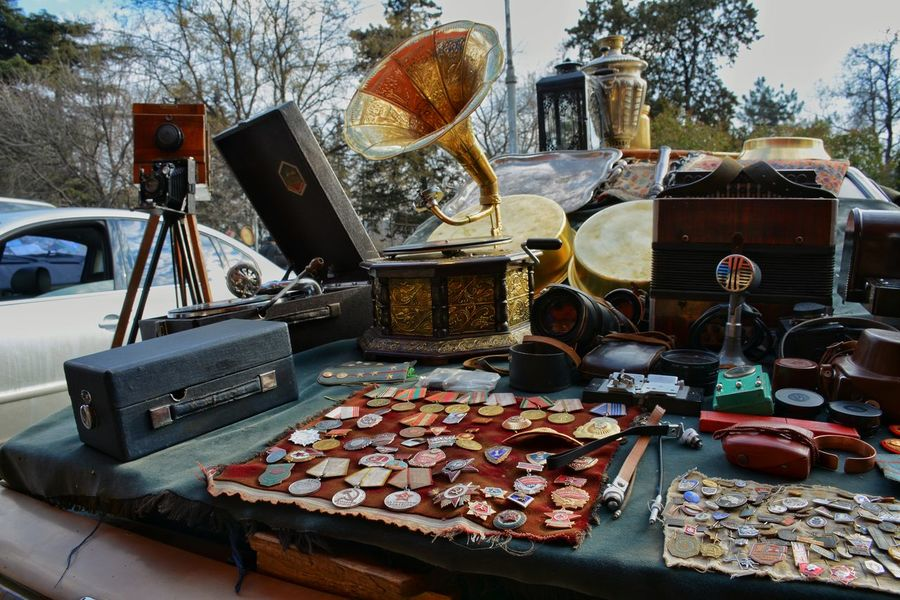 Tradition Moments ObjectsNo People Outdoors Object Photography Urban Landscape Georgia Cccp Tbilisi Broche Gramophone Oldthings Retro Market Fleamarket Old Plug Lieblingsteil Miles Away
