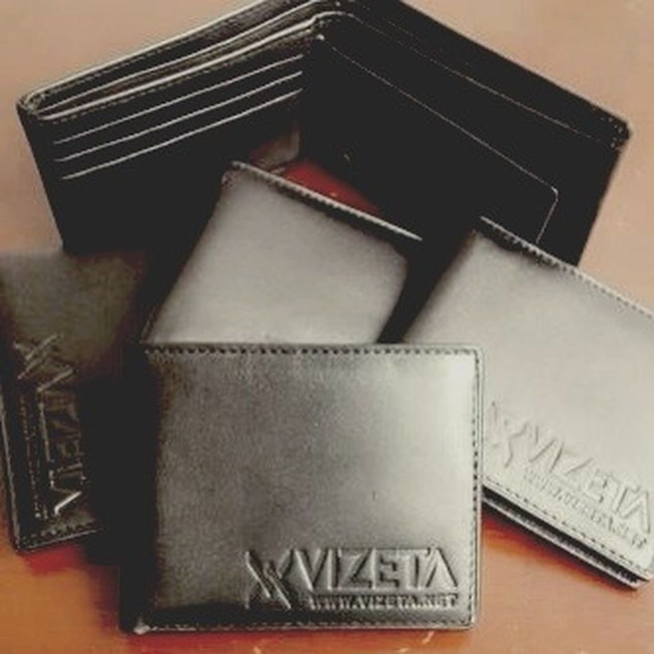 Leather wallet. Custom your buckle,hat,bag,and everything about mining, visit our website www.vizeta.net Wallet Leather Buckle Custombuckle Handmade Mining