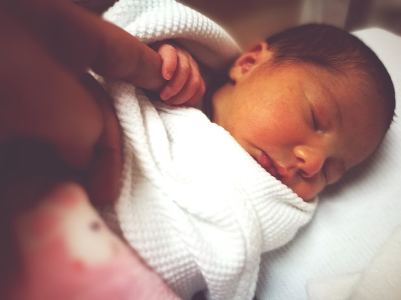 baby, newborn, babyhood, new life, sleeping, innocence, indoors, beginnings, real people, fragility, wrapped, close-up, cute, childhood, one person, babies only, day, people